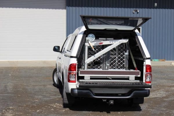 Animal control fitout with small manual crane, 2 cages and Roll-a-table 1