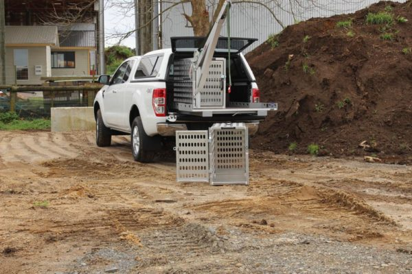 Animal control fitout with small manual crane, 2 cages and Roll-a-table 5