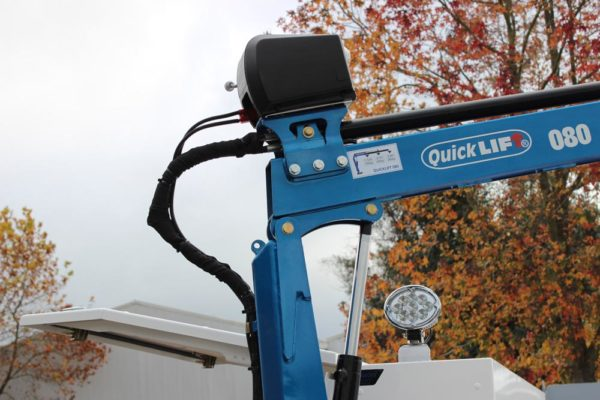 Quicklift 080 fitted to Uteworx flat deck with Gullwing toolboxes 4