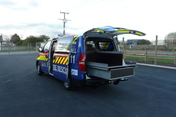 Accident response vehicle - upstand holds body board 3