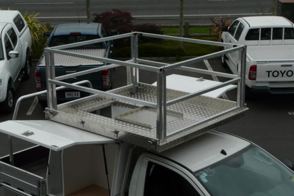 Pair of Gullwing boxes fitted, with compliant scaffold and platform on roof and small manual Spitzlift crane 4
