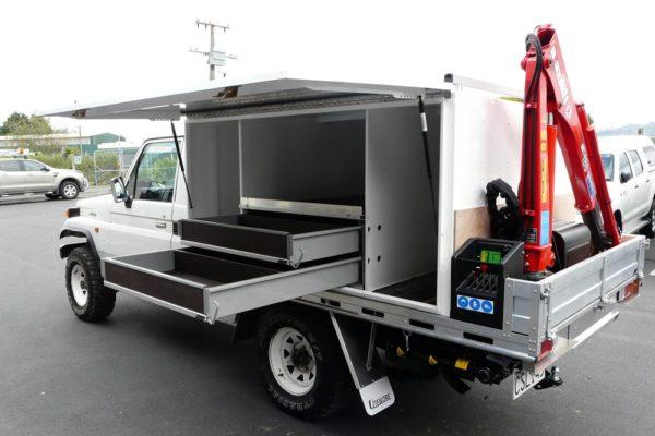 Gullwing logging service vehicle 1