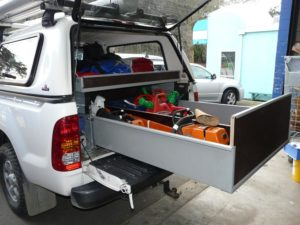 Rolaworx double drawer with height extensions to contain chainsaws etc 3