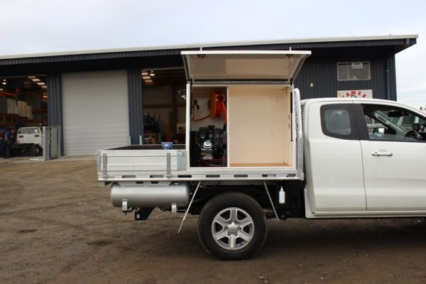 Gullwing 2 door box body fitted to Uteworx flat deck with Rolaworx slamlock drawers, gass bottle holders, underdeck drawer and split compressor system 2