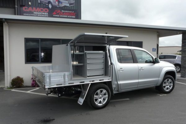 Gullwing 2 door body fitted to Uteworx flat deck with internal slamlock drawers
