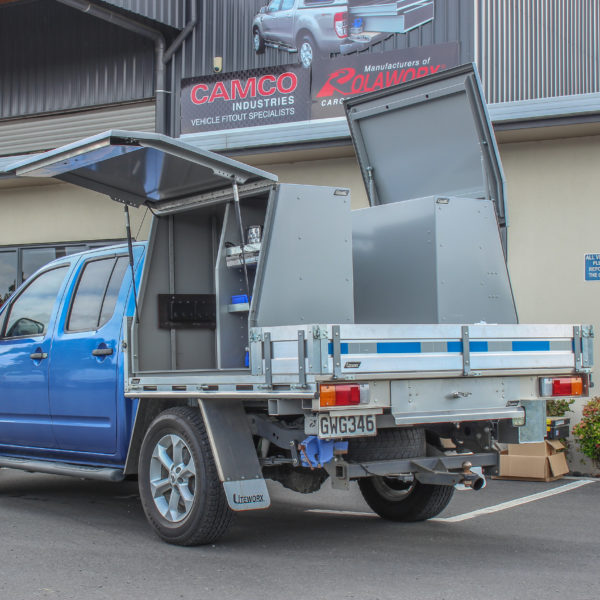 Double Cab Flat Deck + Gullwing Toolboxes