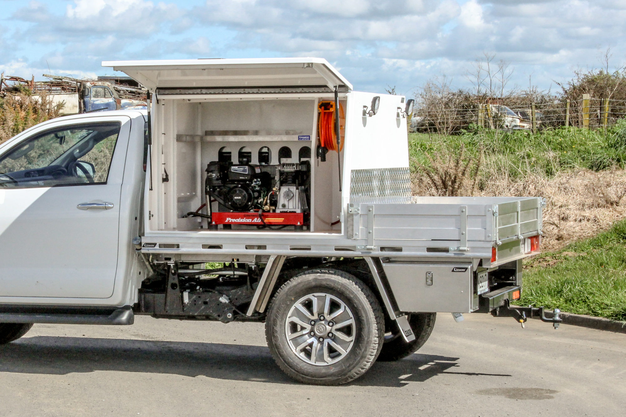 Toyota Hilux Field Servicing Fitout