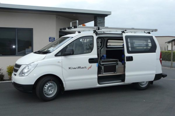 Rolaworx double drawer with Roof rack on van
