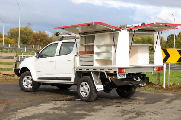 Gullwing 3 door body with slamlock drawers and shelving